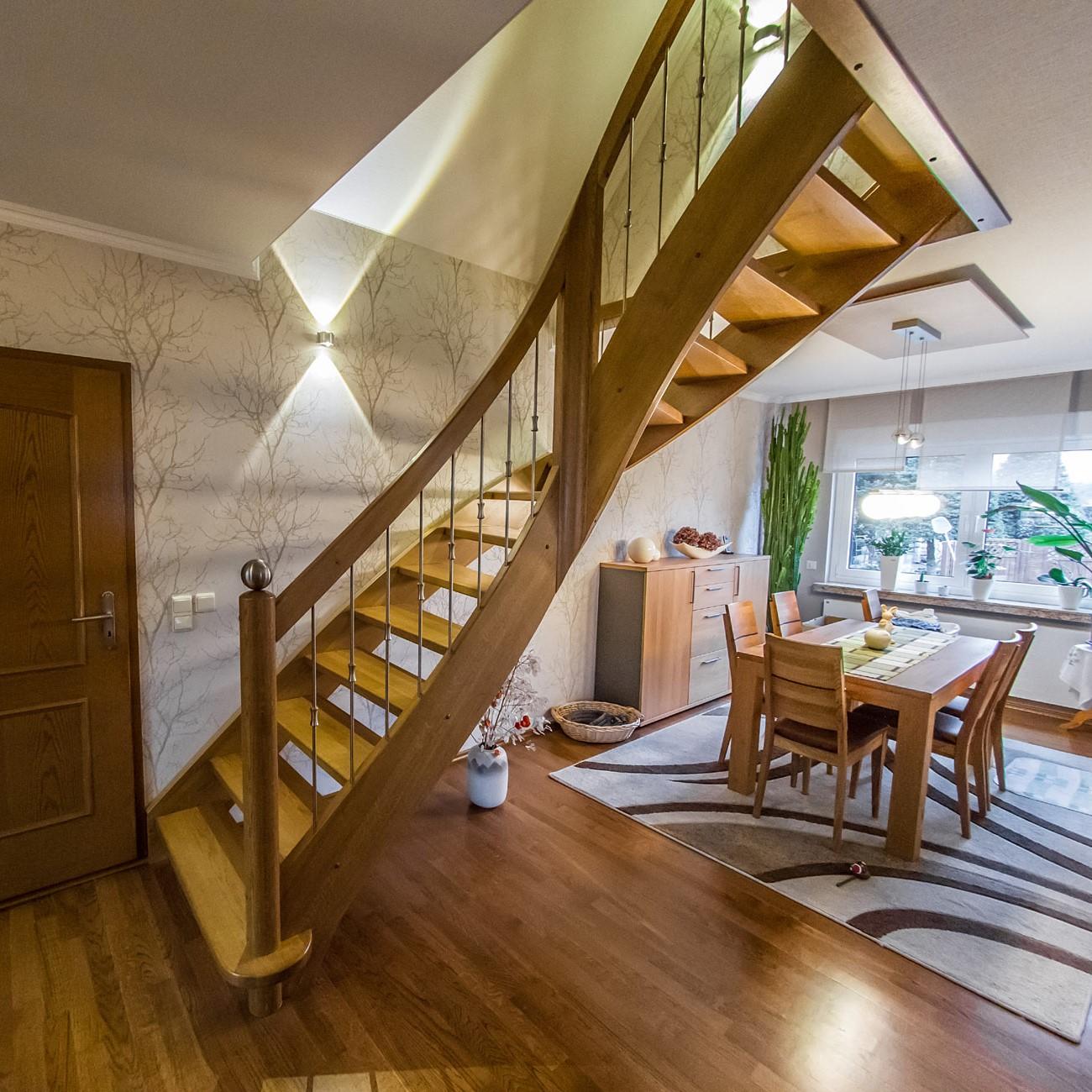 Treppe für Lift
